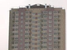 На столичных Позняках сгорела 26-этажная новостройка