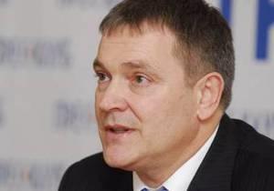 Колесниченко не одобряет идею предоставить русскому и английскому статус приоритетных языков