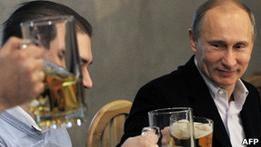 Путин: жесткий ответ  вызывающему поведению  мигрантов