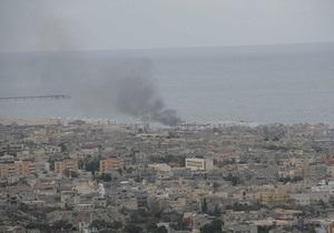 Повстанцы готовятся к бою с войсками Каддафи за город Зентен на западе Ливии