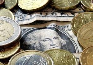 Доллар закрывает ростом межбанковскую неделю