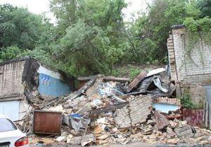 новости Киева - оползень - Киевский оползень уничтожил более десятка гаражей