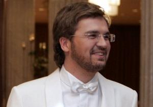 Звезды на продажу: Пономарев прокатит на своем байке за 10 тысяч гривен