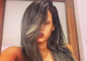 Обладательница худшей звездной прически покрасила волосы в серый цвет