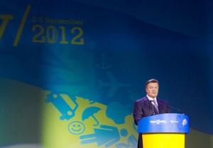 Янукович заявил, что развитие свободы слова требует усилий не только власти