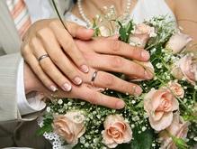 Число отравившихся на свадьбе под Киевом растет