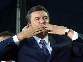 Янукович поздравил Богдана Ступку