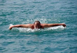 Пловец из Севастополя переплыл Средиземное море от Кипра до Израиля