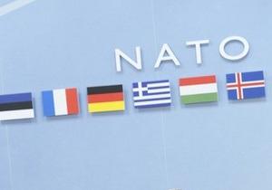 Наша Украина: Отказ от интеграции в НАТО - это пособничество террористам и пиратам