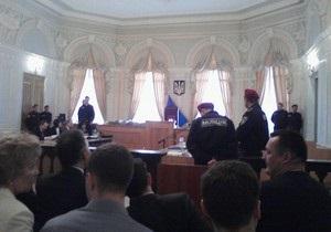 В Харьков на суд по делу Тимошенко прибыли десятки народных депутатов