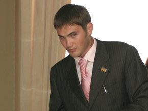 Сын Януковича просит отпустить его из Рады  заниматься делом