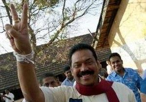 На выборах президента Шри-Ланки лидирует действующий глава государства