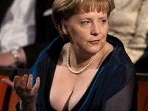 Карл Лагерфельд посоветовал Ангеле Меркель найти нового портного