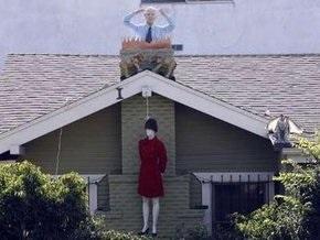 Американец украсил дом к Хэллоину чучелом Сары Пэлин