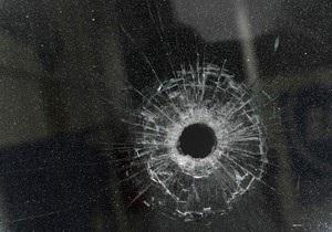 В Черновцах неизвестные обстреляли офис партии Фронт змін