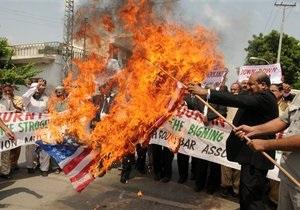 В Афганистане демонстранты атаковали базу НАТО, протестуя против сожжения Корана