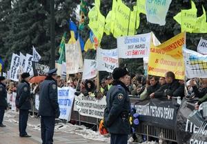 Милиция намерена возбудить уголовное дело против митингующих в центре Киева