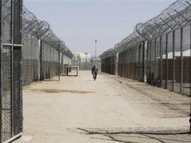 Под Новый год британские заключенные устроили бунт в тюрьме