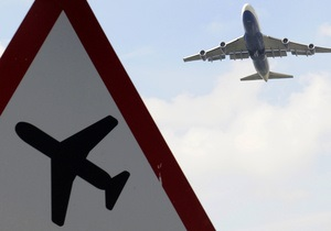 ЧП в Жулянах: авиакомпания жалуется на посадочную полосу, аэропорт намекает на ошибку экипажа