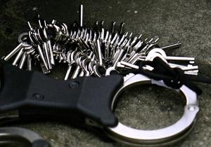СМИ: С подозреваемого в убийстве в центре Днепропетровска сняты все обвинения