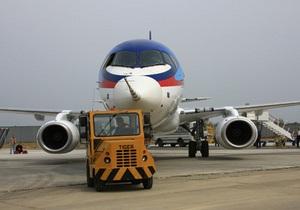 Российский Superjet-100 мог быть захвачен или столкнулся с горой