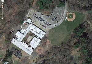 В американской школе Сэнди Хук возобновляются занятия