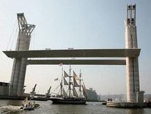 Во Франции открыли крупнейший в Европе разводной мост