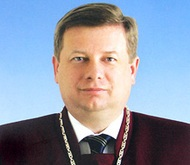 Судья КС рассказал об украинском дубляже