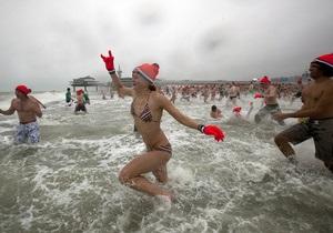 В Голландии установили новый рекорд купания в холодной воде