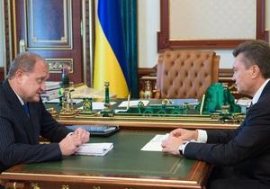 Янукович призвал МВД не вмешиваться в политику