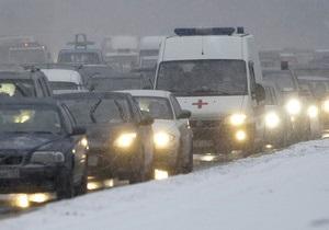 снег в киеве - пробки - ситуация на дорогах: Водителям советуют объезжать Киев