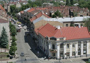 В Черновцах задержали гражданку Казахстана, подозреваемую в создании ОПГ