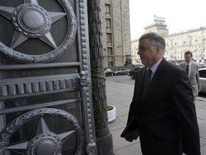 Россия высылает двух сотрудников НАТО