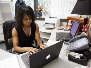 В связи с кризисом все больше людей ищут любовь в интернете