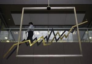 Мировые фондовые индексы снизились, нефть дорожает