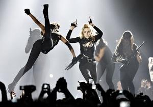 Активисты обвинили Мадонну в посягательстве на обороноспособность России