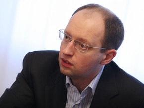 Яценюк: Газпром фактически управляет украинской ГТС