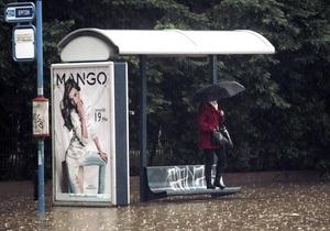 Наводнение в Афинах: в захваченном потоком автомобиле девушка скончалась от инфаркта