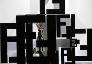 Фотогалерея: Milan Fashion Week. Коллекции Max Mara, Fendi, Just Cavalli, Prada и DSquared2