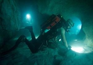 Подводный триллер Санктум возглавил российский прокат