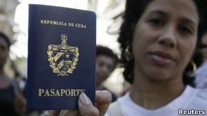 Мечты сбываются: кубинцы впервые получают загранпаспорта