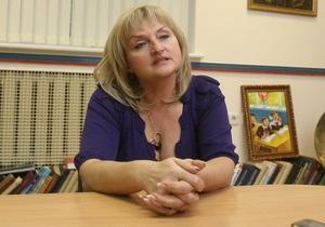 Жена Луценко сообщила, что для защиты экс-министра наняли шестерых адвокатов