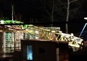 В центре Харькова рухнул строительный кран, погиб рабочий