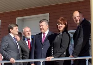 Янукович в Енакиево за два месяца до местных выборов представил кандидата от ПР как мэра