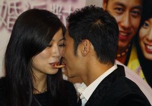 В Гонконге пожениться можно прямо в McDonald s