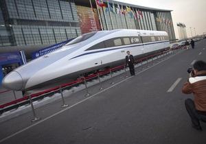 Китайский высокоскоростной поезд установил мировой рекорд, развив скорость более 487 км/час