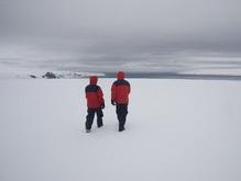 Белорусские полярники принялись за уборку Антарктиды