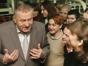 Жириновский будет продавать на московском рынке дешевую клубнику