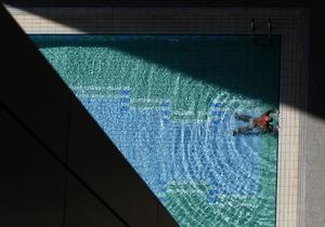 В России в бассейне утонул дайвер