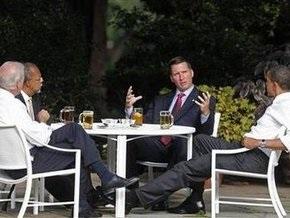 Обама встретился за кружкой пива с фигурантами расистского  скандала